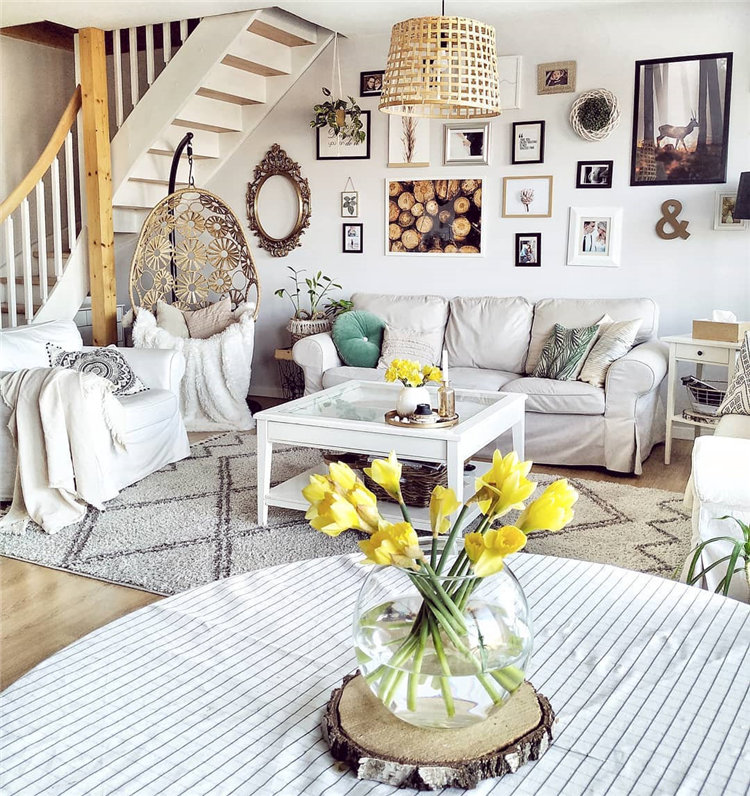 Cozy small living room decor ideas, include modern, rustic, and traditional and more. If you want to decor living, you can browse our website from time to time. #livingroomdecor #livingroomideas #livingroomdesigns