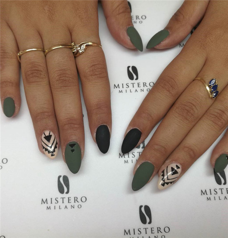 Geometric Nail Art Ideas; Geometric Manicures; geometric nails; nails designs; nails art; geometric aesthetic; nails polish;